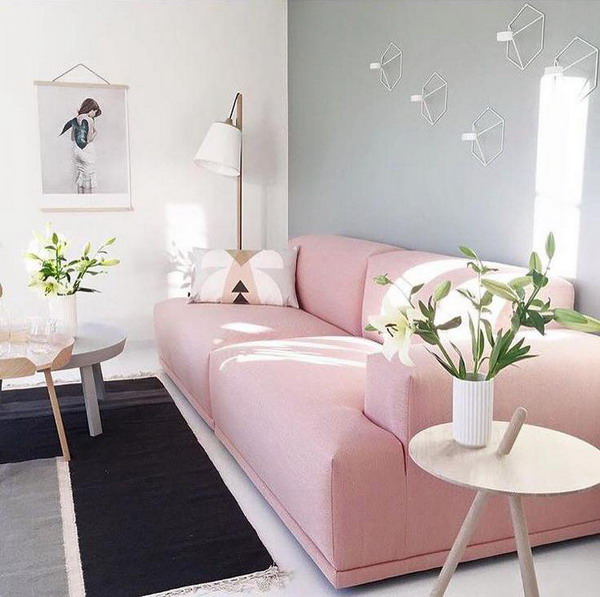 Décoration Salon canapé rose et murs Pantone Ballerina