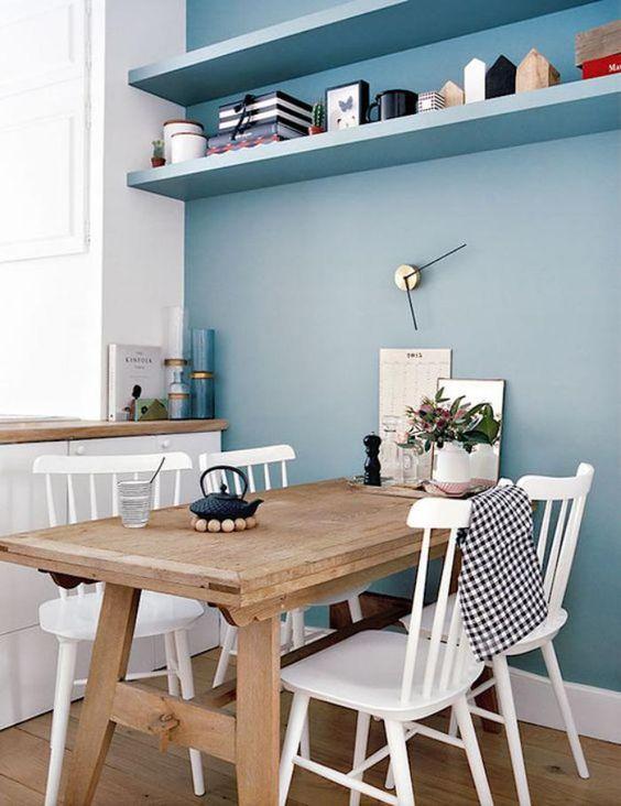 Cuisine sobre blanche et bleue