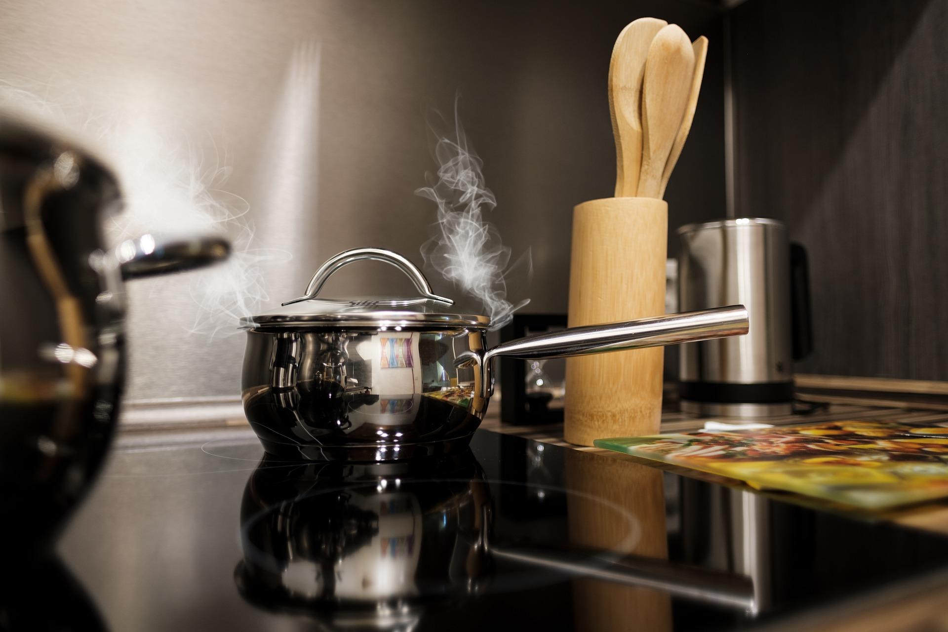 cuisinieère induction avec crédence