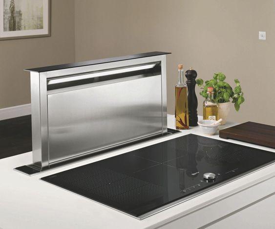 Hotte escamotable pour plan de travail, en Inox et verre, de 90 cm de large.